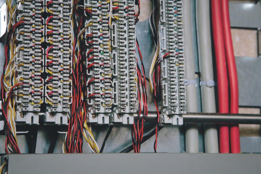 Elektroinstallation_www_zveh_de_am_alarm_gewerbe_15_04